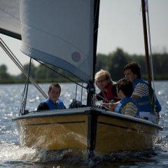 Zeilboot-recht-van-voren-800x532.jpg